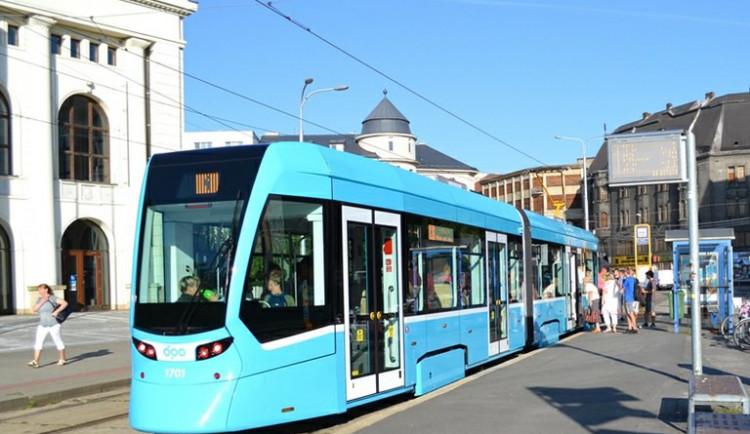 Ostrava představila nejmodernější tramvaj. Za rok jich bude jezdit po městě 40