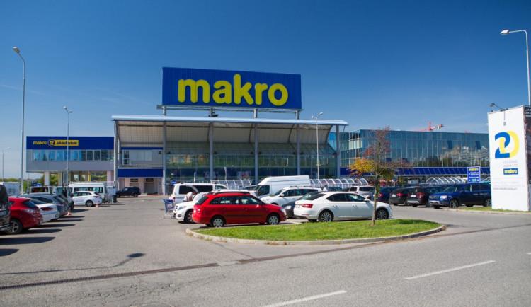 Firma Křetínského a Tkáče vstupuje do majitele velkoobchodů Makro