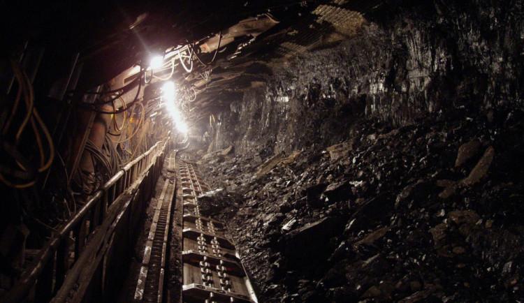 Někteří horníci se po explozi vracejí do práce. Obavy přiznávají