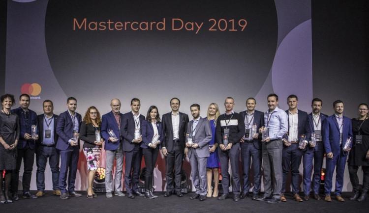 Mastercard ocenila banky za projekty v oblasti platebních karet 2018