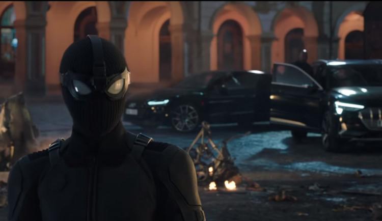 FOTO, VIDEO: Prohlédněte si první záběry Liberce ve Spidermanovi, nechybí radnice ani podloubí