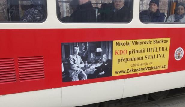 """Knihy ruských autorů nabízejí Čechům """"alternativní pravdu"""". Kdo přinutil Hitlera přepadnout Stalina?"""