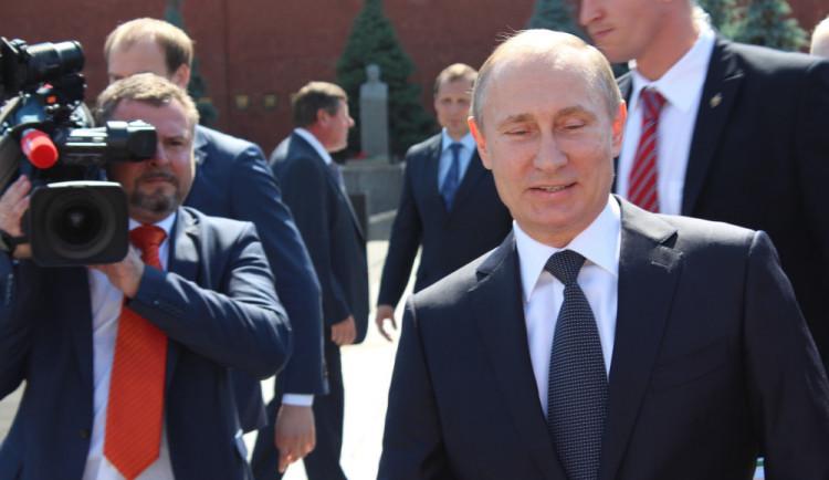 PRŮZKUM: Důvěra Rusů v Putina klesla nejníže od roku 2006