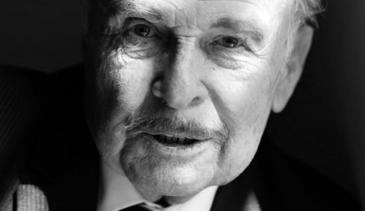 Ve věku 85 let zemřel divadelní a filmový herec Luděk Munzar