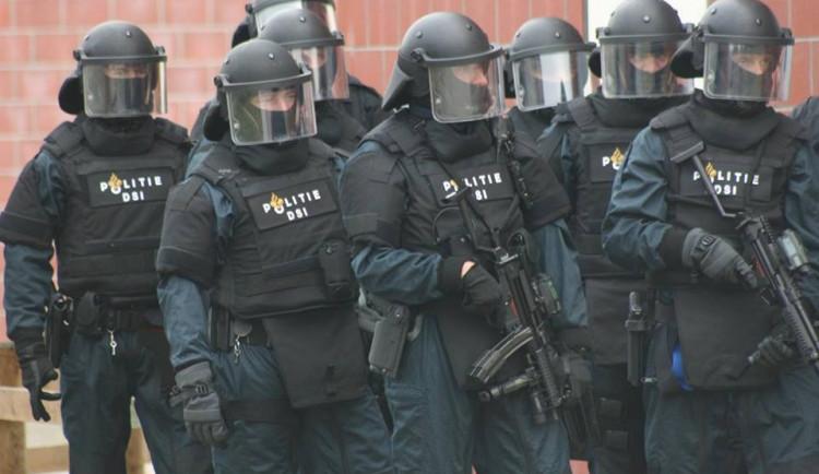 Střelba v Utrechtu má podle starosty tři mrtvé a devět zraněných