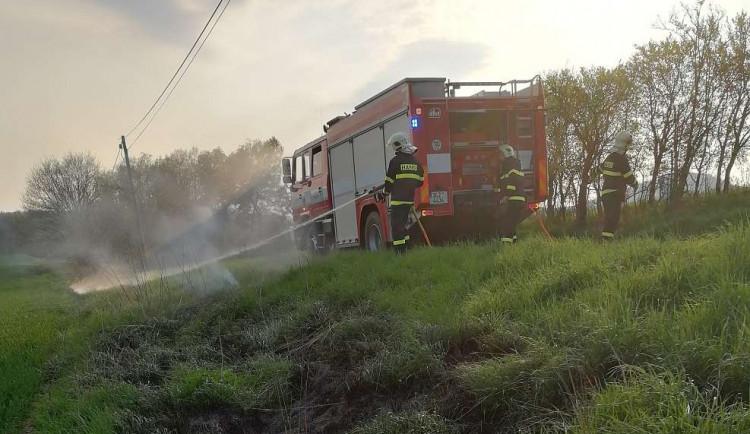 Pozor na jarní pálení bioodpadu. Může způsobit požár