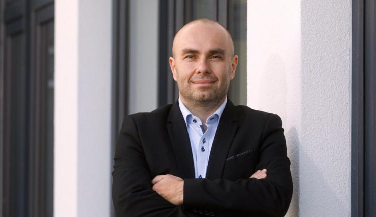 Prezident by měl jmenovat profesory bez ohledu na osobní animozity, říká rektor Marek Vochozka