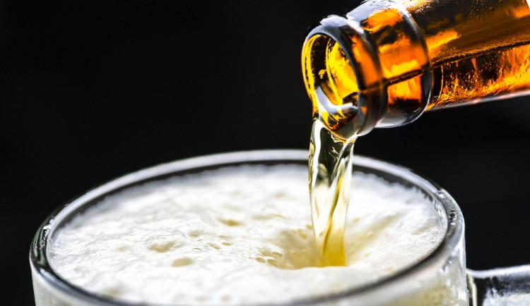 Skopeček: Zvýšení daní na alkohol vezme peníze ohroženým