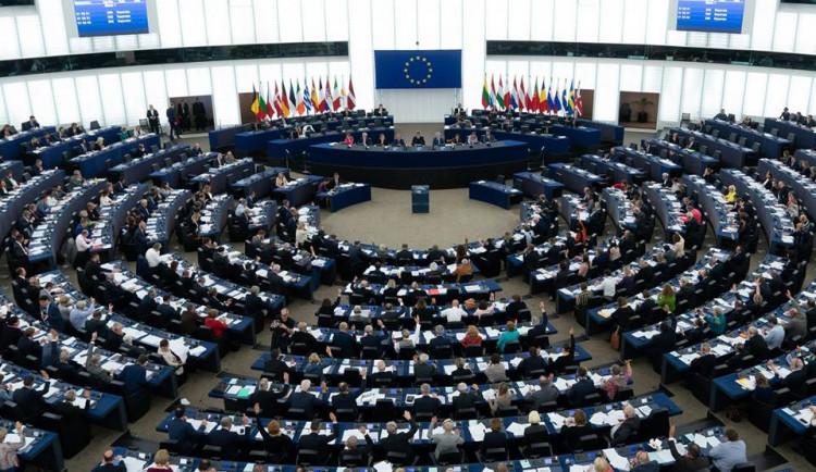 VoteWatch: Čeští europoslanci patřili mezi ty s větším vlivem