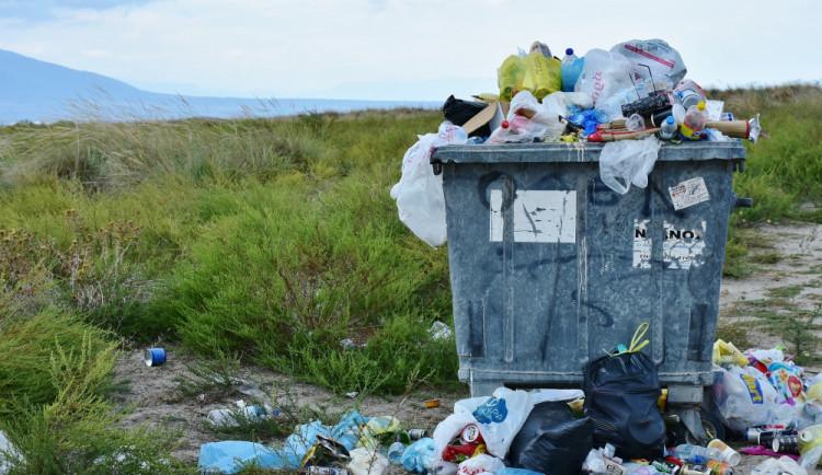 Kolem 180 zemí se dohodlo na regulaci plastového odpadu