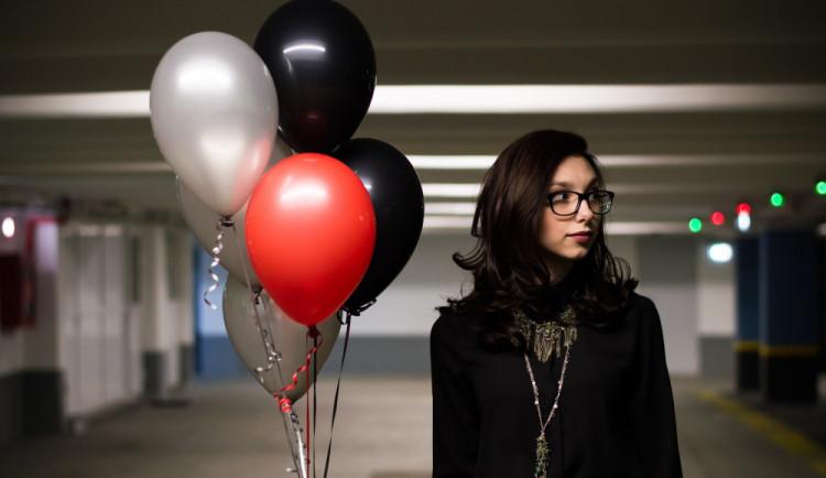 Nedostatek helia ohrožuje večírky i zdravotnictví