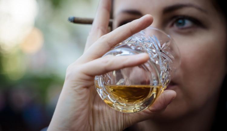 Likérky: Po kauze metanol vyhledávají lidé kvalitnější alkohol