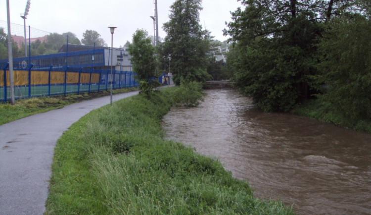 VÝSTRAHA: Meteorologové varují před vydatným deštěm, od středy platí povodňová pohotovost