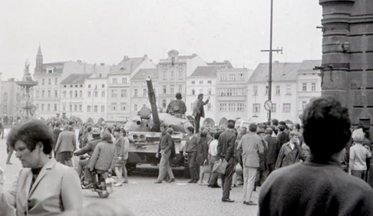 Senátoři odmítli snahu uznat okupanty z roku 1968 za veterány