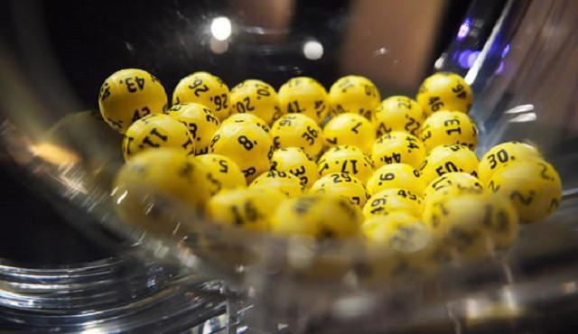 Výherce miliardového jackpotu se už ozval, vsadil přes internet