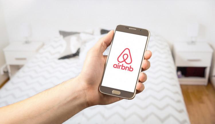 Poplatek z ubytování zřejmě dopadne i na služby typu Airbnb