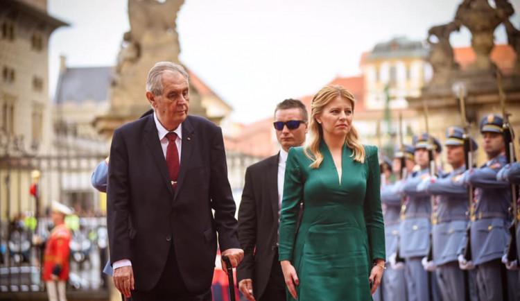FOTO: Čaputová v Praze jednala s politiky, uctila Havla i Štefánika