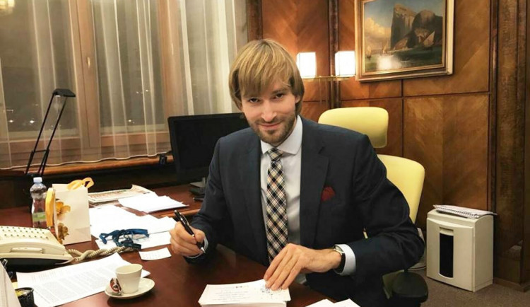 Ministr: Krajská zdravotní musí převzít nemocnici v Rumburku