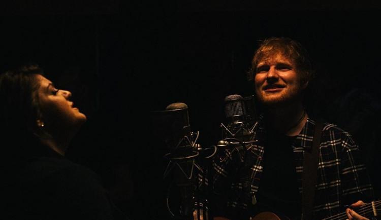Do Letňan na Eda Sheerana dorazilo téměř 80 tisíc lidí