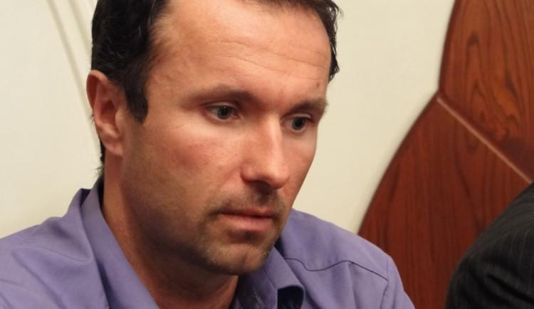 Bývalý ředitel liberecké nemocnice Nečesaný do vězení nepůjde. Soud ho osvobodil