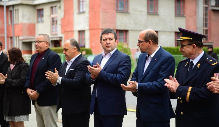Politolog: Spor o výměnu ministra se může protáhnout do podzimu