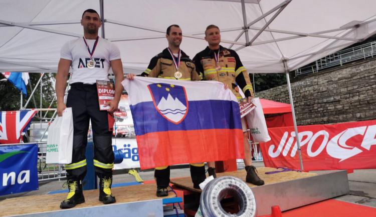 Jihočeští hasiči Kubiš a Brousil slaví další úspěch. Účastnili se závodu Firefighter Combat Callenge