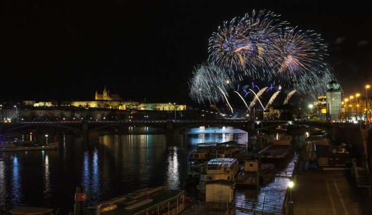 Novoroční ohňostroj v Praze nahradí videomapping