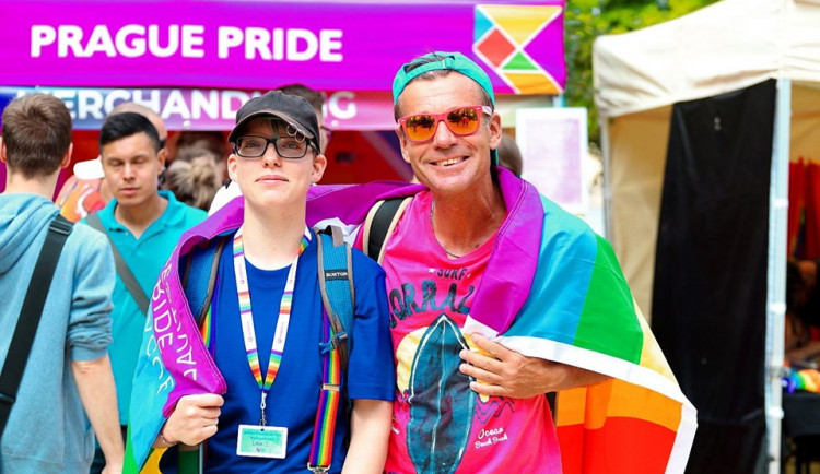 Centrem Prahy vyšel průvod Prague Pride Parade