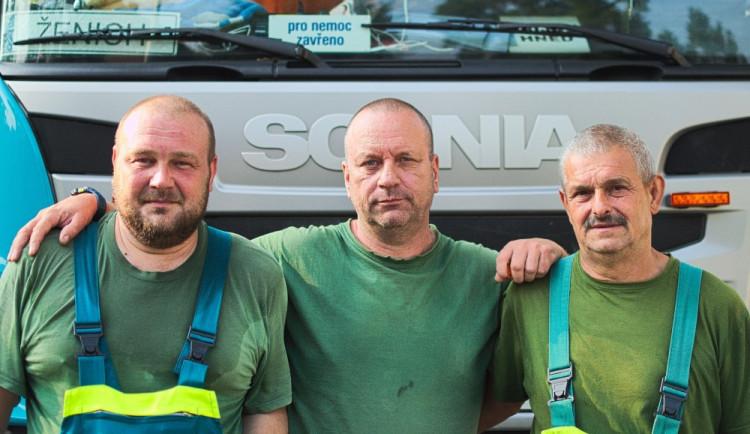 Den s popelářem: V popelnici najdeme mobil, ale i bezdomovce. V Olomouci posbíráme sto tun odpadu denně