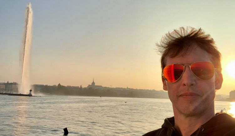 Bývalý voják, zpěvák James Blunt se vrátí do Prahy s novým albem