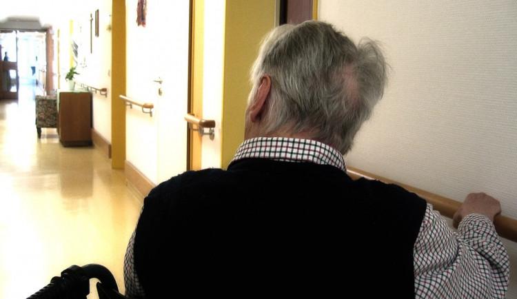 Dotace na lůžko v domovech pro seniory se v krajích výrazně liší
