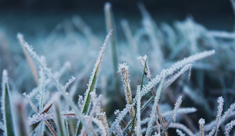 Teplota na Šumavě klesla k minus osmi stupňům, v platnosti je další výstraha