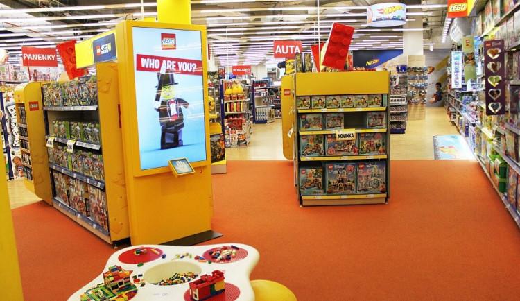 Lidé mohou nákupem hraček pomoci nemocným dětem
