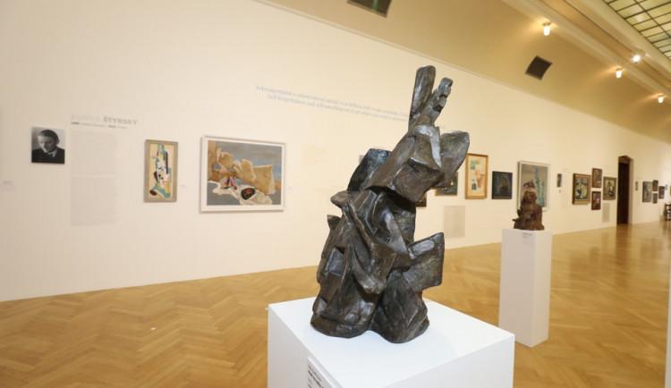 Nezlomní. Obecní dům v Praze zahájil jedinečnou výstavu, která představuje možný průřez českým uměním minulého století.